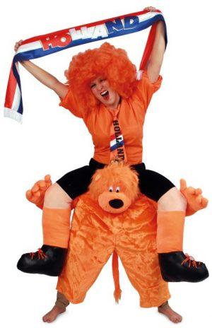 Gedragen door oranje leeuw pak kostuum