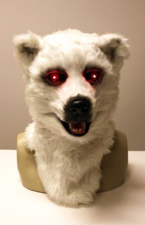 Volkop masker ijsbeer lichtgevende ogen bewegende mond