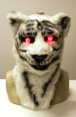 Volkop masker witte tijger lichtgevende ogen bewegende mond