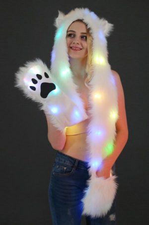 Witte ijsbeer hood muts lichtjes wanten oortjes